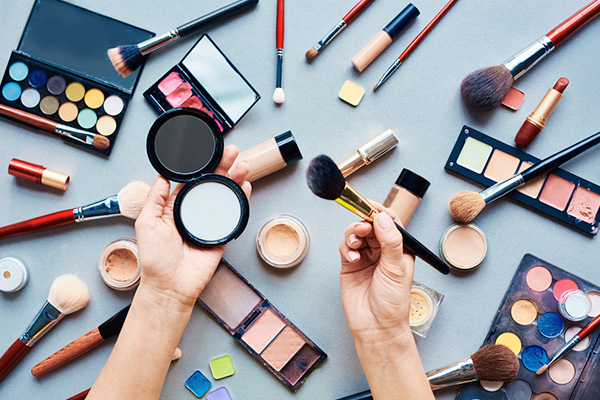 How to buy quality cosmetics on the Internet at low prices