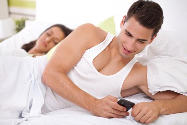 Почему происходят мужские измены — от чего изменяют мужчины