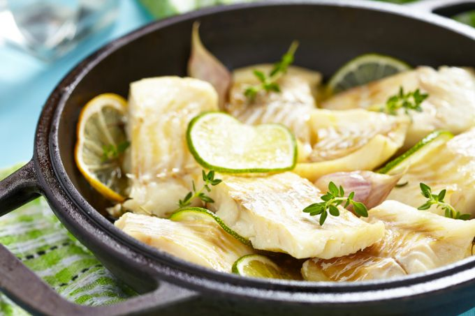 How to make baked fish fillet in Greek
