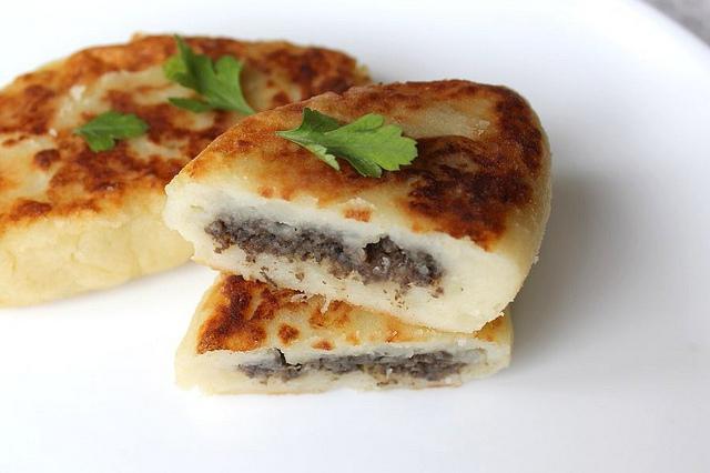 Зразы из картофеля с печенью