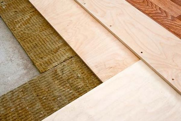 How to lay insulation on the floor joists