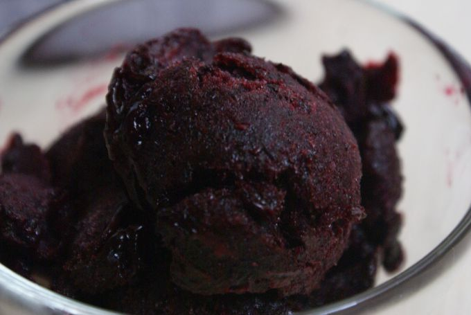 How to make blackcurrant sorbet