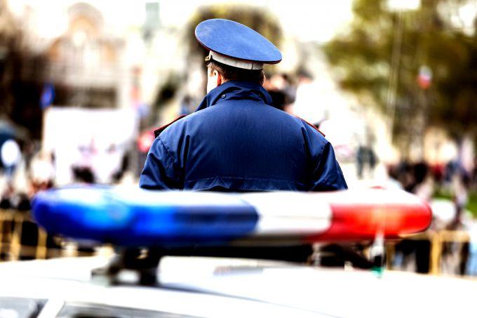 Есть методы пробить машину на присутствие арестов и ограничений