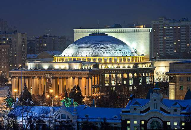 Новосибирск живет в новом часовом поясе