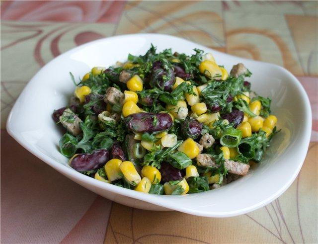 Салат с сухариками с кукурузой и фасолью и сухариками и колбасой рецепт