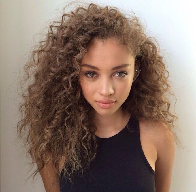 How to care for curly hair: a practical guide