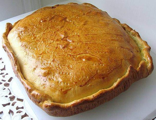 Пирог со свекольной начинкой