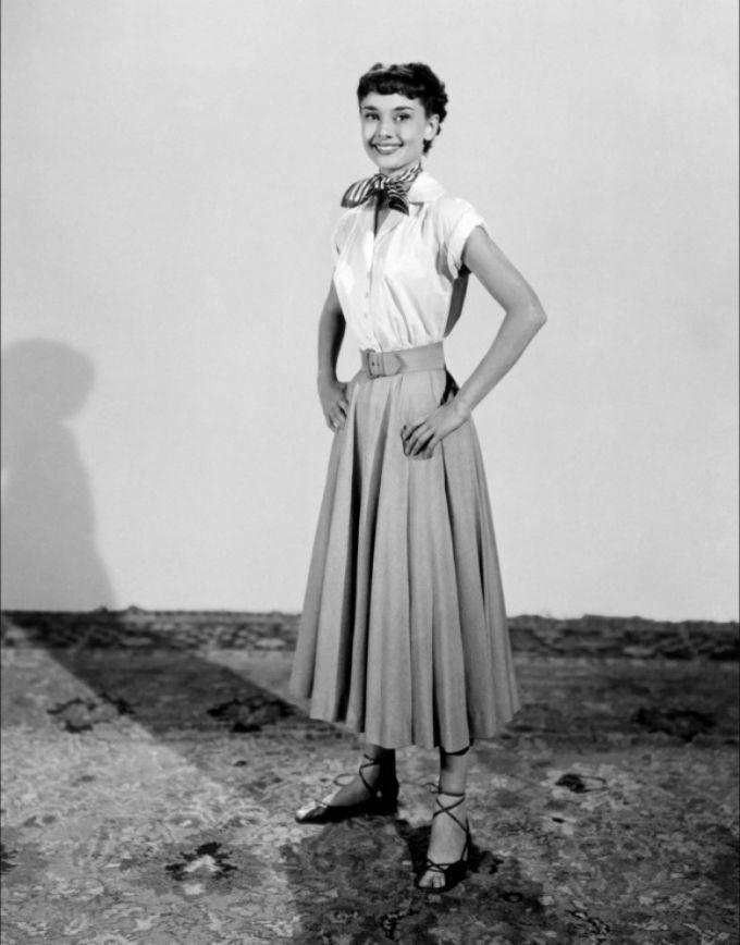 Как одеться в стиле Одри Хепберн