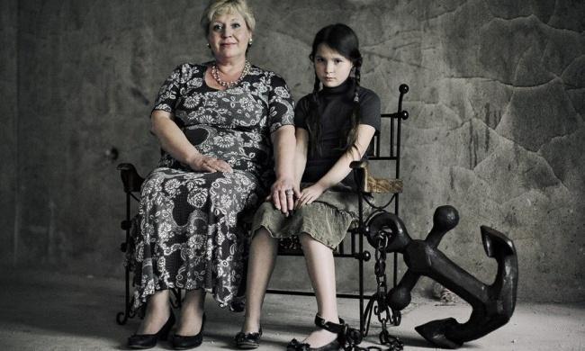 Чем может грозить гиперопека со стороны родителей