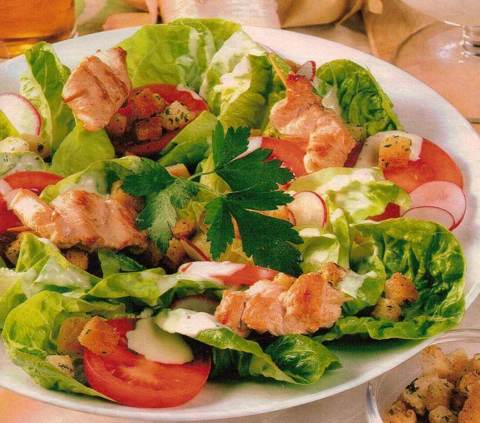 Салат из индейки и яблок