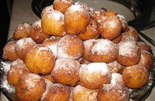 Пончики творожные с яблоками