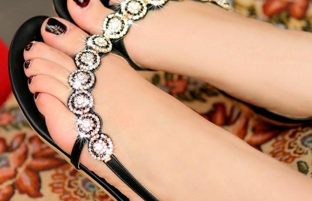 Как правильно подобрать женские сандалии