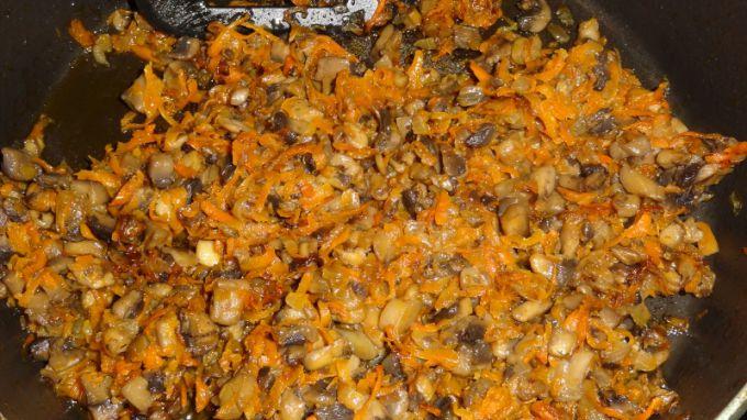 Салат из шампиньонов с курицей подсолнух