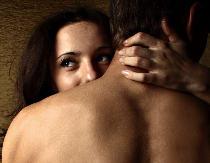Почему мужчина быстро кончает — Секс