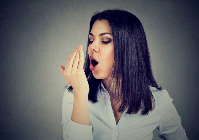 неприятный запах изо рта причины и избавление