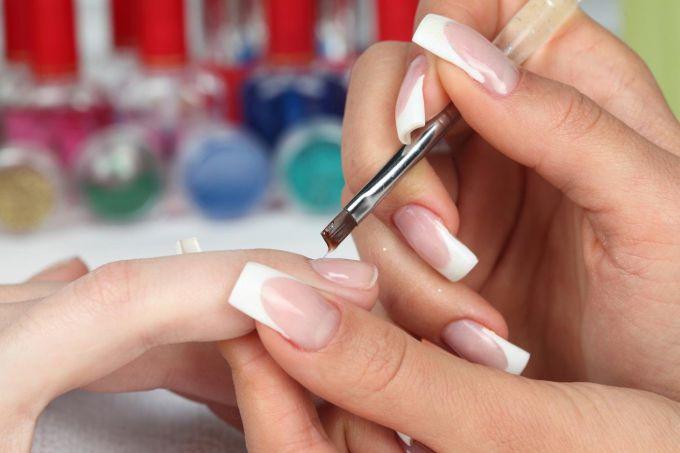 Nail extensions: main types