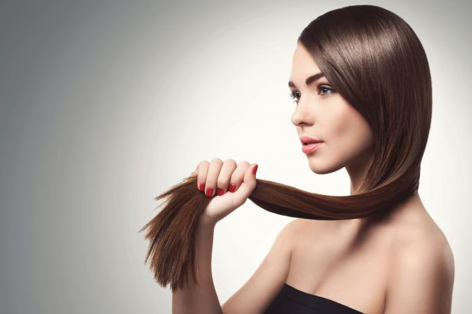 Keratin hair straightening: the pros and cons