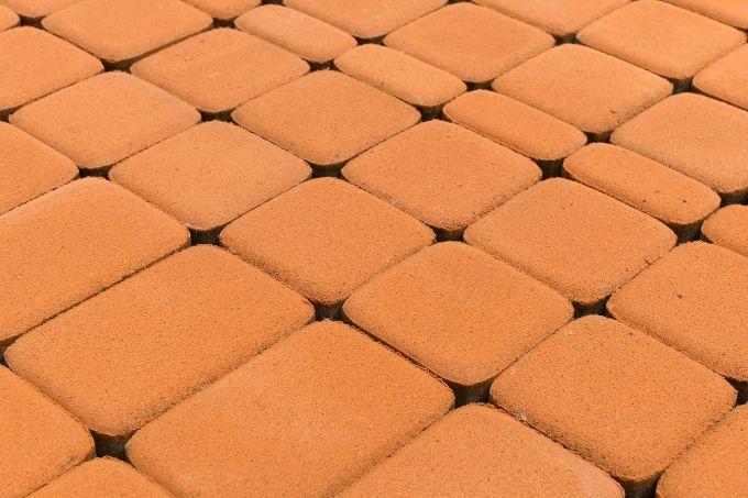 Цементно-песчаная плитка как материал фасада: плюсы и минусы