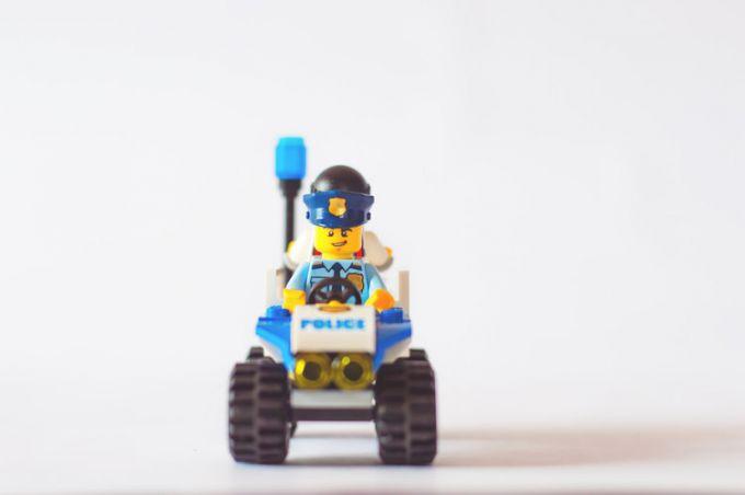 Когда акции и облигации надоели: инвестируем в Lego