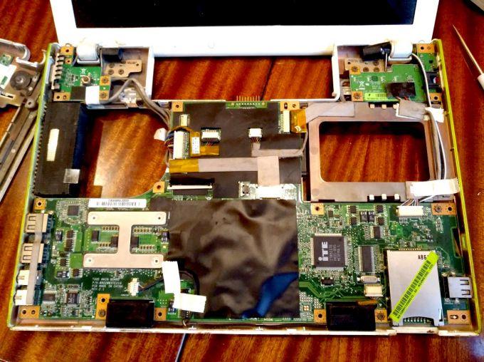 Разобранный ноутбук Packard Bell BG45