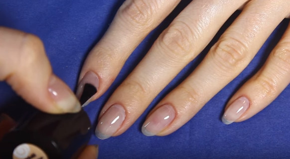 Preparation of nails for coating with gel-varnish