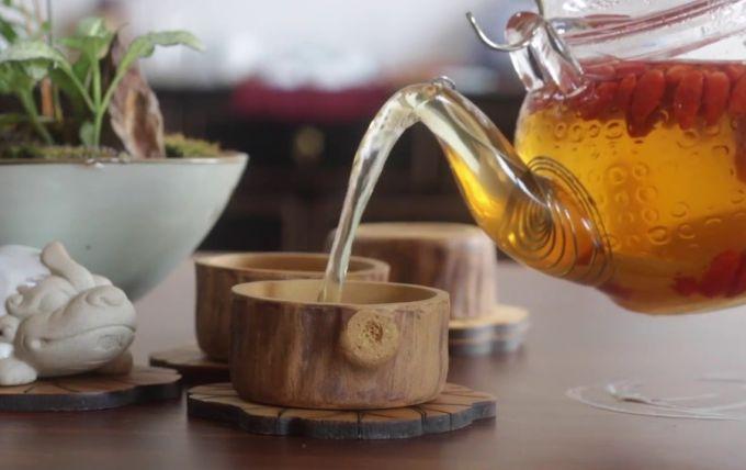 Как правильно заварить чай из трав и ягод