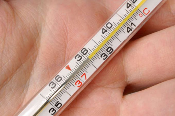 Почему повышается температура у здорового человека