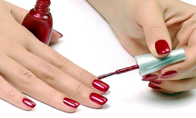 How to make a smooth and neat manicure