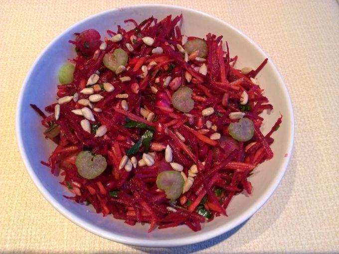 Как приготовить салат «Щётка» к новогоднему столу