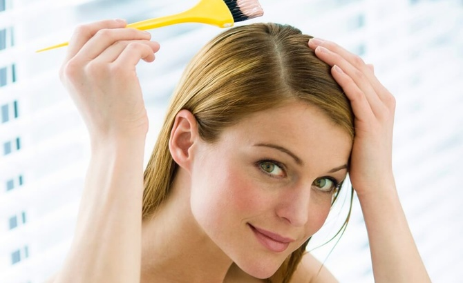 How to dye your hair yourself at home
