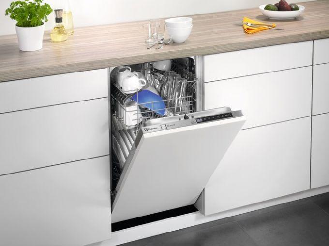 Как самостоятельно отремонтировать дверцу посудомоечной машины