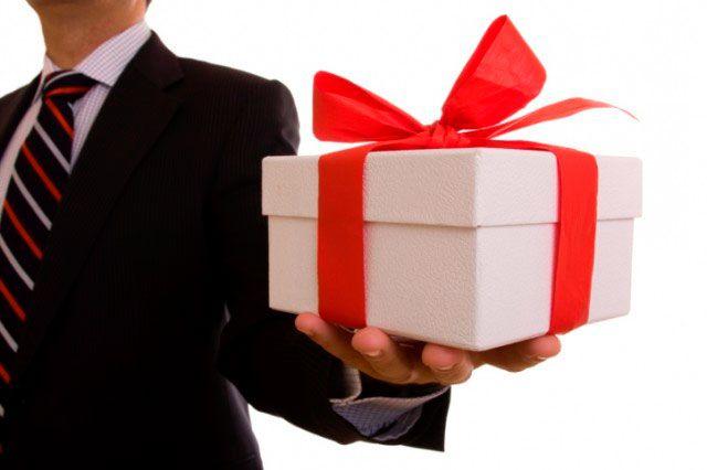 Как подарить подарок если человек не в друзьях 568