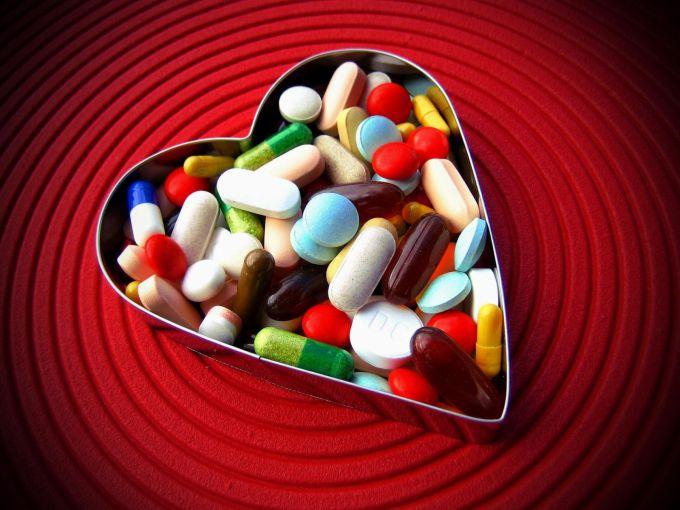 Повысить потенцию таблетками можно, но эффект будет не долгосрочный.