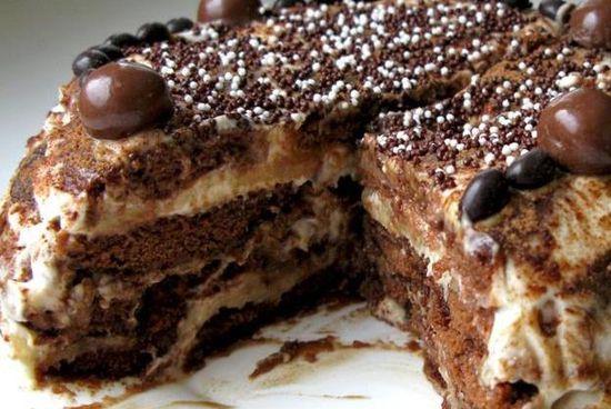 Как приготовить пряничный торт со сметанным кремом на Новый год
