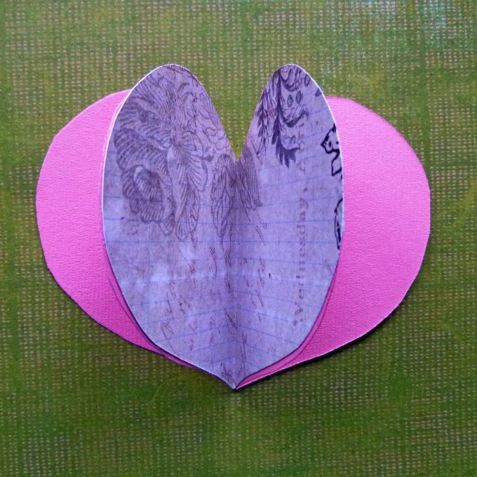 Валентинка - первые 3 сердечка склеены