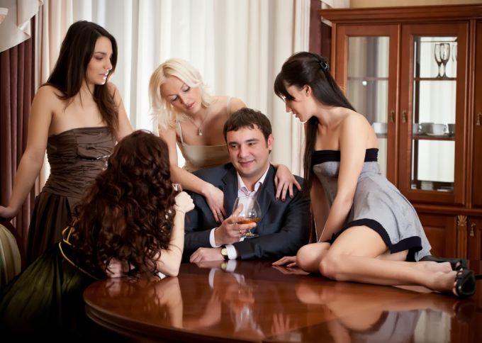 Что делает мужчина после развода?