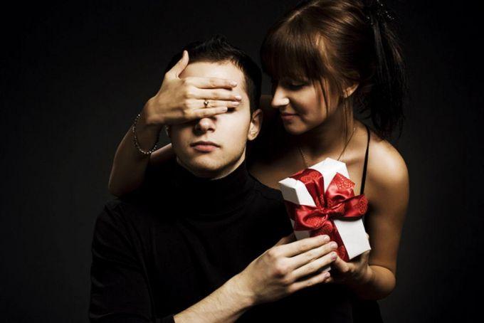 какой подарок выбрать мужчине к 23 февраля