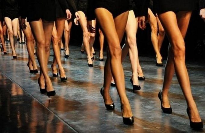 Как научиться красивой, правильной походке