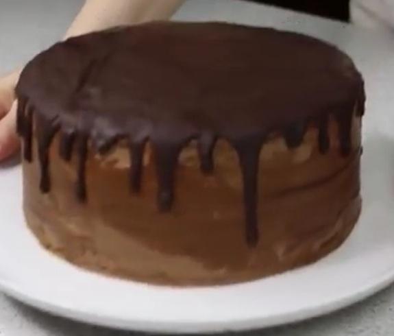 """Как приготовить шоколадный торт """"Проще некуда"""""""