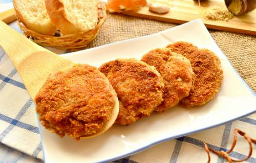 Котлеты из куриного фарша с панировочными сухарями рецепт