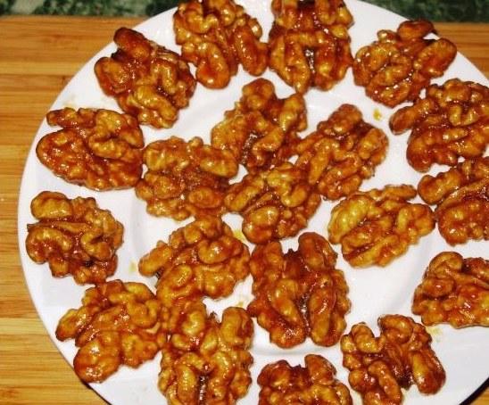 Как приготовить грецкие орехи в карамельной глазури