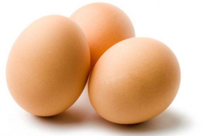 Как выбрать свежие куриные яйца