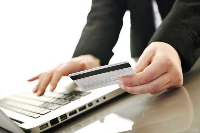 Вы можете перевести деньги на карту Сбербанка, зная номер карты получателя
