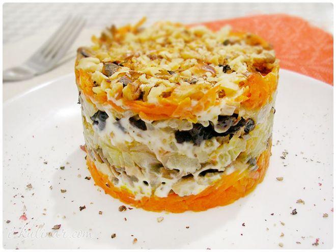Салат с курицей и грибами слоеный рецепт с