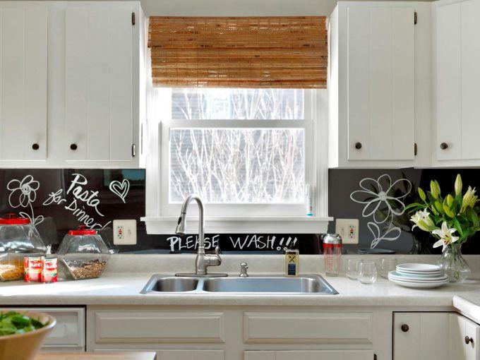 Чтобы обновить кухню, не обязательно тратить накопления на покупку новой мебели - проявите фантазию!