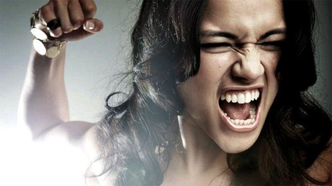Как правильно контролировать эмоции: научиться может каждый