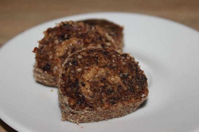Рецепт постного сырого десерта: рулет с черносливом