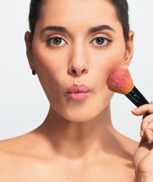 Как утаить щеки с подмогой макияжа