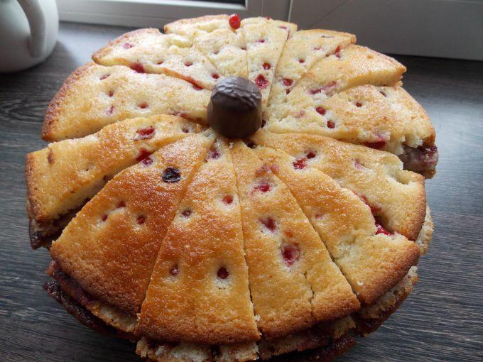 Как приготовить манный пирог с ягодами