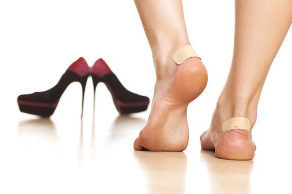 Как избежать появления мозолей от новой обуви